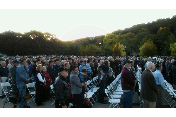 More than 800 members of the Westchester, New York, community gathered at the Kensico Dam Plaza.