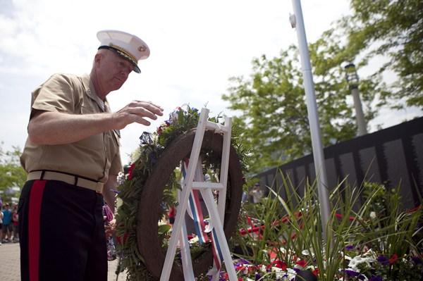 Lt. Gen. Steven A. Hummer, commander of Marine Forces Reserve and Marine Forces North, lays a wreath