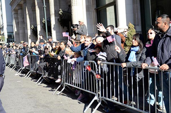 Supportive crowd at NYC Veterans Day Parade
