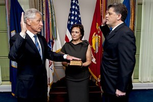 Chuck_Hagel_Takes_Office_as_24th_Defense_Secretary_1